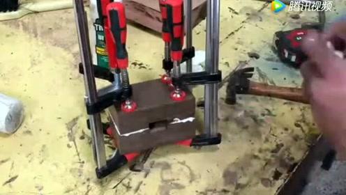 农民用方木制作了一把锤子,却被朋友花二十元强买走