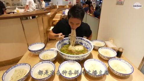韩国小伙挑战大胃王,20分钟内吃完超大碗拉面,网友看得我胃疼!