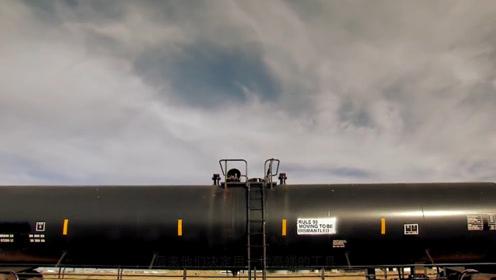 大气压有多恐怖?空气被吸走的瞬间,巨型油罐车直接变成扁铁皮!