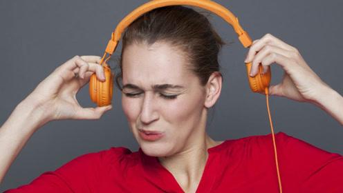 耳朵总是嗡嗡响?1个动作击退耳鸣,耳朵清净,听力健康