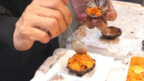 极品海鲜马粪海胆现开现吃,这鲜爽有没有让你流口水!