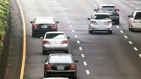 高速超车有技巧,这些地方老司机决不超车,新手要注意