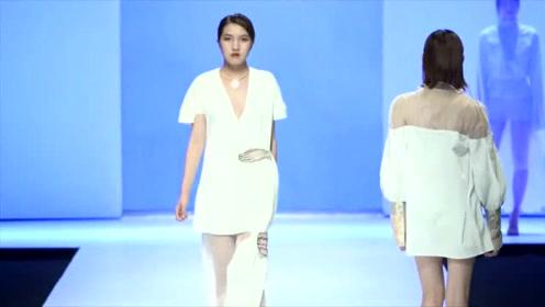 美女时尚走秀,纯白服饰,美若天仙