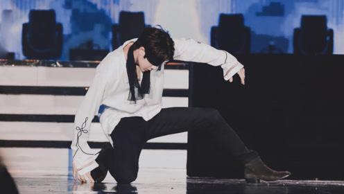 对跳舞的王一博完全没有抵抗力,大型心动现场,真是百看不厌!