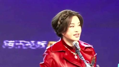 刘晓庆和姜文时隔25年再聚首,彼此落难时仍情深,今同框如亲人
