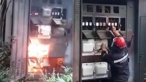 工人修理变压器时突遭爆炸 所幸只有手臂被烫