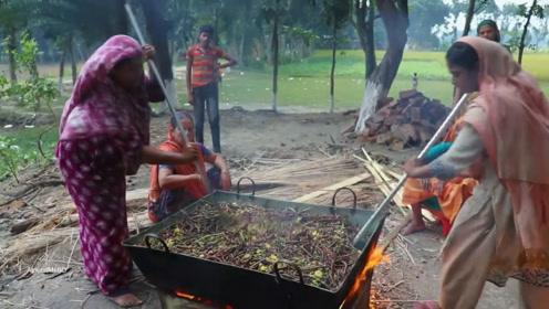 来看看,印度女人炒的这是什么菜?实在无法形容,这大锅菜能吃吗
