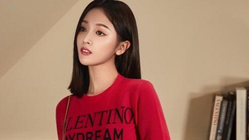 氧气少女吴宣仪,红色衣服打扮潮流,掀起一股复古风