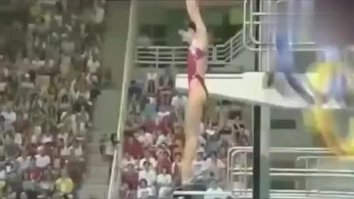 回顾郭晶晶跳水皇后3米跳板第25金,入水似针!不愧是跳水皇后