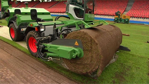 世界杯足球场是这样铺设的!百万美元的草坪,里面还有黑科技