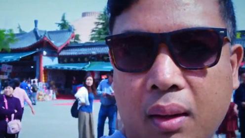 越南富翁来中国旅游,待了一星期后大哭:在中国不能再待下去了