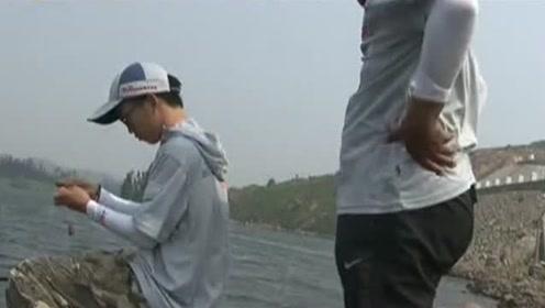 一个简单的搓饵还要根据鱼情,如何做到饵快散、慢散