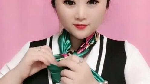 微胖妹子也可以很美,这样系个围巾,超级洋气!