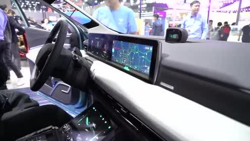 闹海新能源 广州车展聊哪吒U量产版