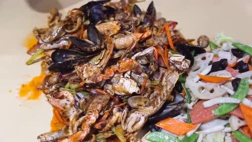 嗨吃合肥:铁锹海鲜别有一番风味!量大而且配菜很多!