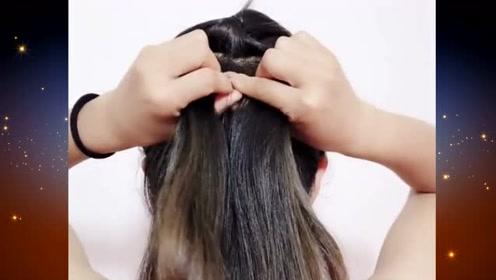 这样的扎发发型,简单优雅又有气质,发量少的小姐姐扎最美哦