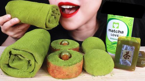 满屏鲜嫩的抹茶绿甜点,看起来真是养眼,这颜色看起来非常有食欲