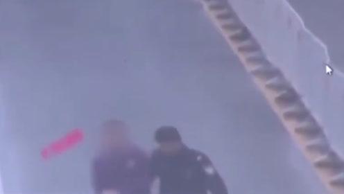 13岁男孩与父亲赌气 偷开家中越野车跑出20公里
