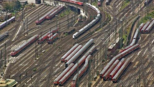 全球最大铁路站在中国,有100多条交叉轨道,跑错一条就是灾难