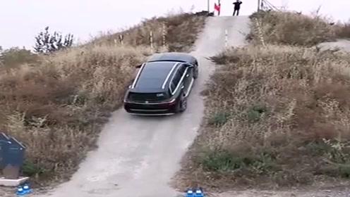 新买的宝马X7,开出去试了试,这车真不是盖的!