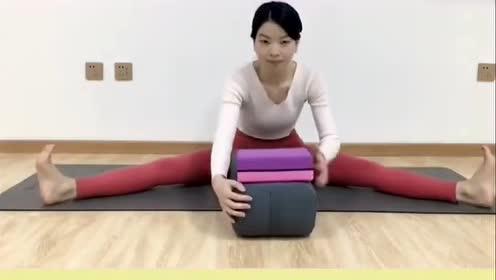 女生瑜伽的小技巧,放松盆腔、腹腔、后背,会有意想不到的结果!