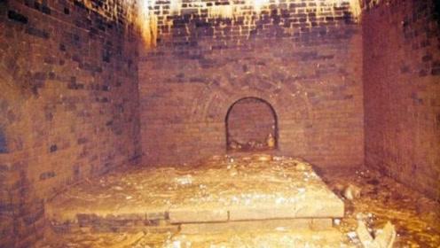 湖北一座大墓被盗,墓中遍地都是黄金文物,其中一件10亿不卖