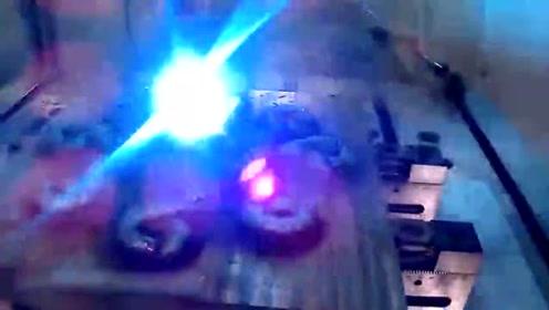 小伙用3D金属焊接打印的八爪鱼,有技术就是牛啊!