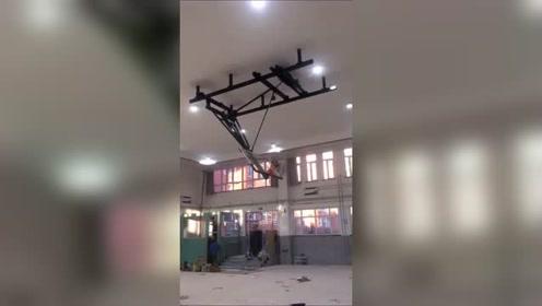 篮球馆球架悬吊折叠篮球架,这种存在有意义吗