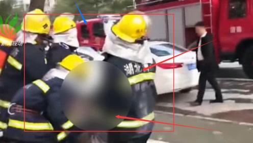 正能量!消防员火灾中抱出被困老人 之后的举动更感人