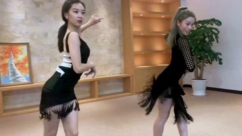 """两位舞蹈老师现场斗舞,网友:王者与""""青铜""""的巅峰对决!"""