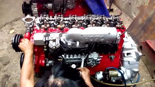 男子网上新买的V8发动机,启动试一下性能,这钱花得不冤枉