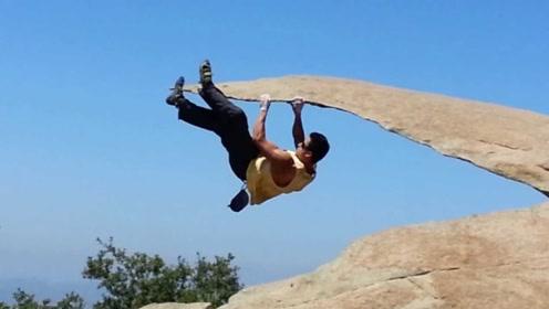 """世界知名的""""骗子岩石"""",游客每天排十几米长队,只为追求刺激!"""