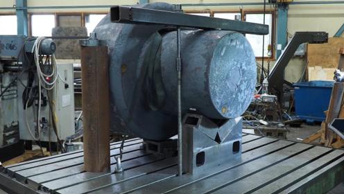 机床加工4吨重的凿岩大钻头,看到成品大吃一惊,机械力量真强大