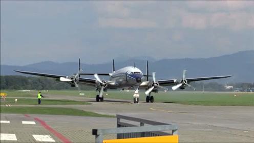 新造好的大型客机,启动测试一下发动机运行,难得一见的瞬间