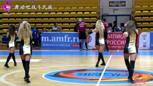 """一个""""高踢腿""""征服全场!俄罗斯啦啦队的表演,就是百看不厌"""