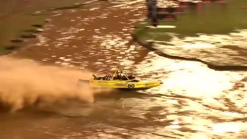 """超级紧张刺激的快艇比赛,速度快弯道多,很容易""""上岸""""的"""