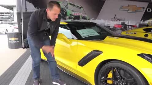 外媒介绍2019 款Corvette ZR1的侧面外观