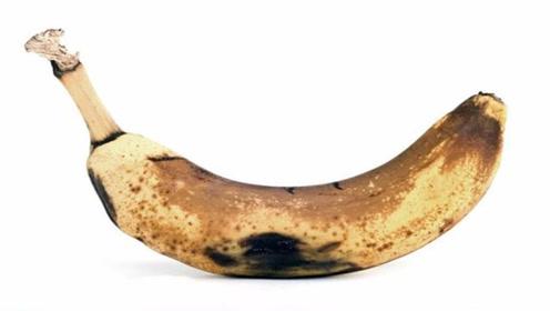 不管家里多有钱,烂香蕉一根都别扔,教您变废为宝,省钱还很实用