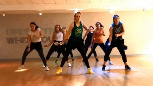 这样的尊巴舞太招人喜欢了,零基础也能学,跳起来减压又健身!