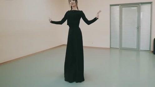 """""""凌波微步""""也不过如此!阿塞拜疆小美女的舞蹈,犹如仙女漫步云端!"""