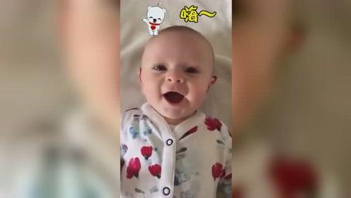 泪目!失聪宝宝第一次听到声音激动得say hi 可爱又心疼