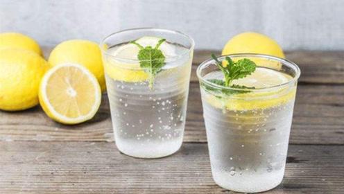 天天用柠檬泡水喝,这3点万万别忽视,喝错了白白浪费,效果不大