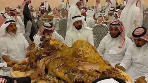 中国土豪到迪拜吃自助餐,一顿消费2000块,网友:金钱的味道