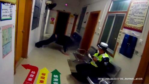 男子醉驾被查 血检前狂做俯卧撑 交警:没用的!