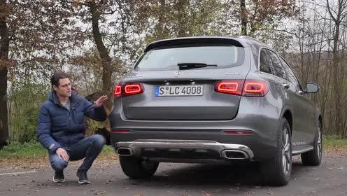 梅赛德斯奔驰-GLC 300 车身侧面展示!