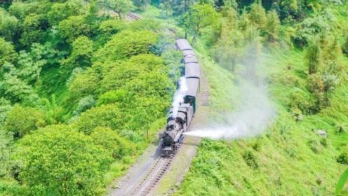 全国仅剩一辆的火车,就在四川运行了60多年,珍稀程度堪比国宝大熊猫!