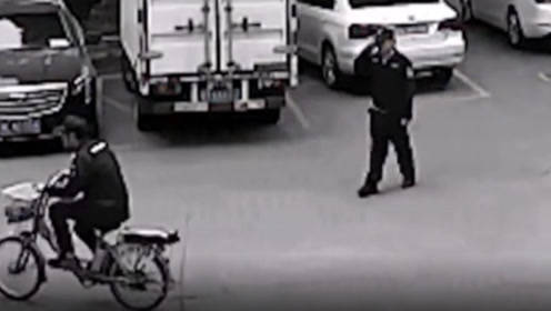 佛山一男子乔装成保安去偷车,真保安不知真相敬礼问好