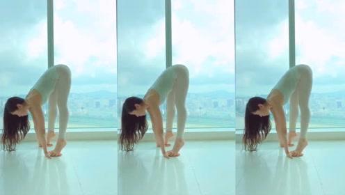 瑜伽小姐姐亲身教学,解锁瑜伽正确姿势