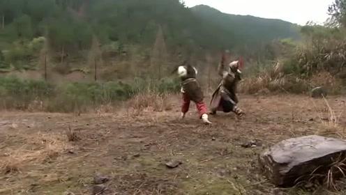 樊梨花英勇善战,孤身阻拦大军,和对面小将打了一架,对面就不行了!