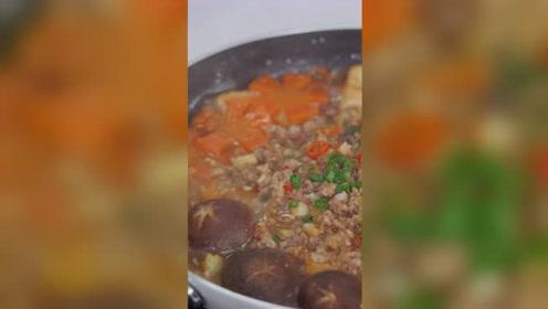 豆腐这样吃太下饭了,出锅香气四溢,比红烧肉过瘾,汤汁都舔干净